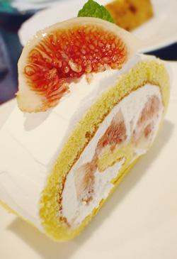 いちぢくのロールケーキ