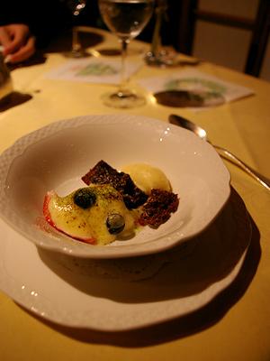 ショコラモワルと苺のシャンパンサヴァイヨーネ