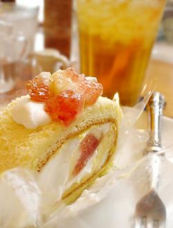 いちじくのロールケーキ
