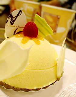 ラミ ドゥ バニーユのケーキ