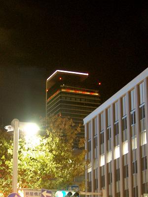 ミッドランドスクエアの雲上演出の照明が点灯