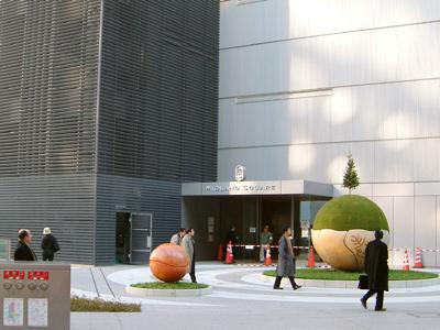 フェンスが取られたアート広場