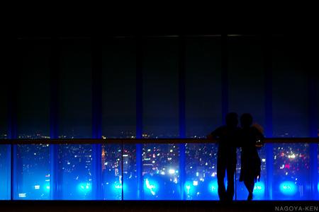 スカイプロムナード 霧と光の演出
