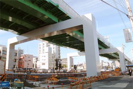 浅間町交差点を跨ぐ名古屋高速