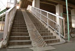 黄金跨線橋の歩道橋