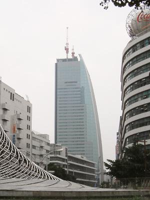 名古屋ルーセントタワー さらに小さいクレーンが登場