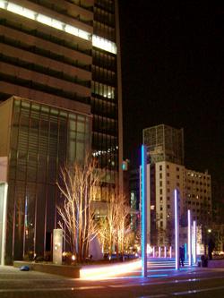 ルーセントタワーの広場