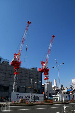タワークレーンが立つ名古屋プライムセントラルプロジェクト敷地