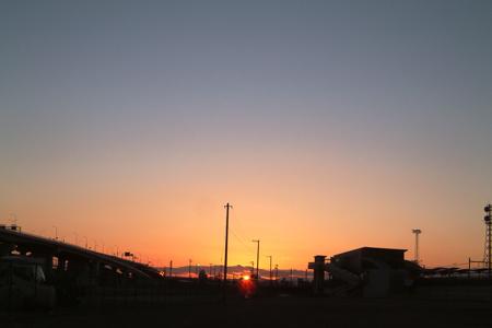都心に広がる最後の空き地「ささしまライブ」からの夕陽