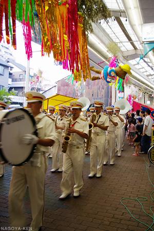 消防音楽隊のパレード