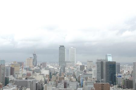 雨が上がり空が明るくなる名古屋