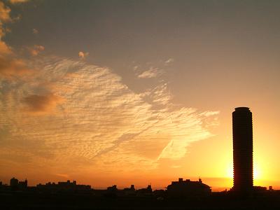 矢田川の河川敷から眺める夕焼け