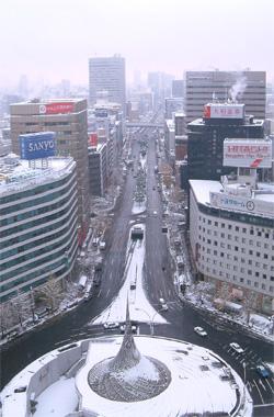 大雪の名古屋駅前