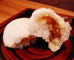 中には味噌ともち米!