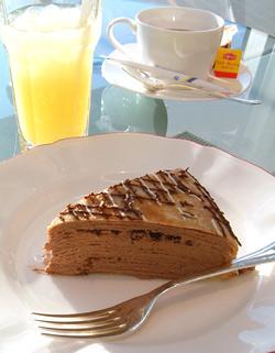 クイーンアリス アクアのケーキ