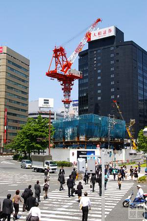 組み立てが始まった名古屋ビルディング