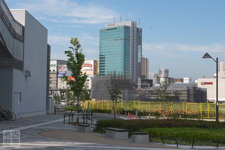ささしまライブ駅前からJICA敷地を見る 2008年8月31日